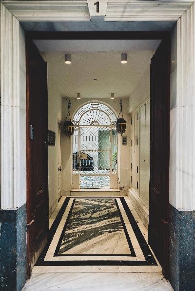 entrada al los apartamentos llave del sur en cadiz